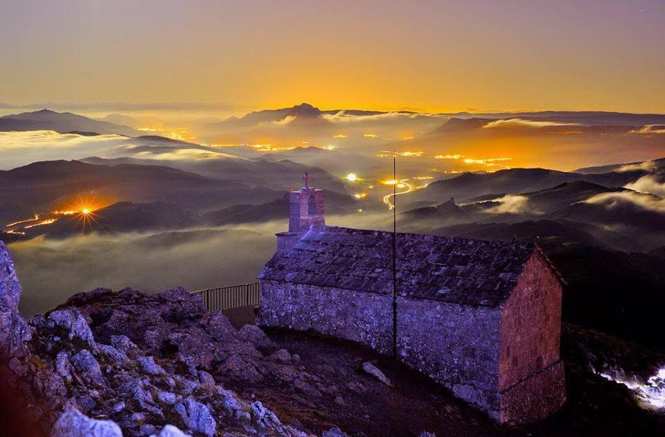 Aizkorri, sommet à 1528m en Guipuzkoa