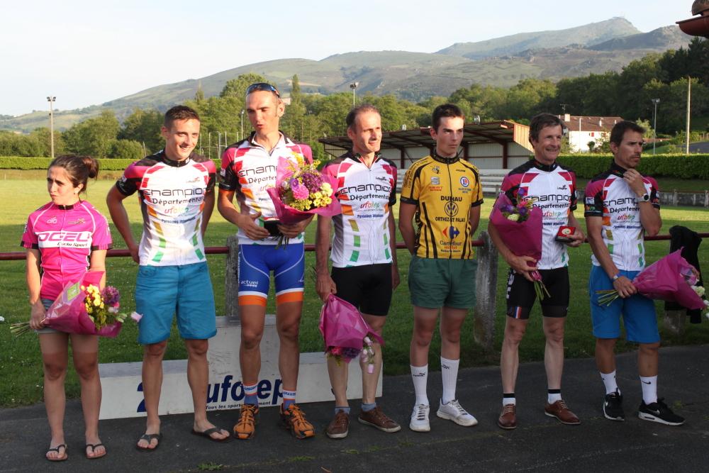 podium01100